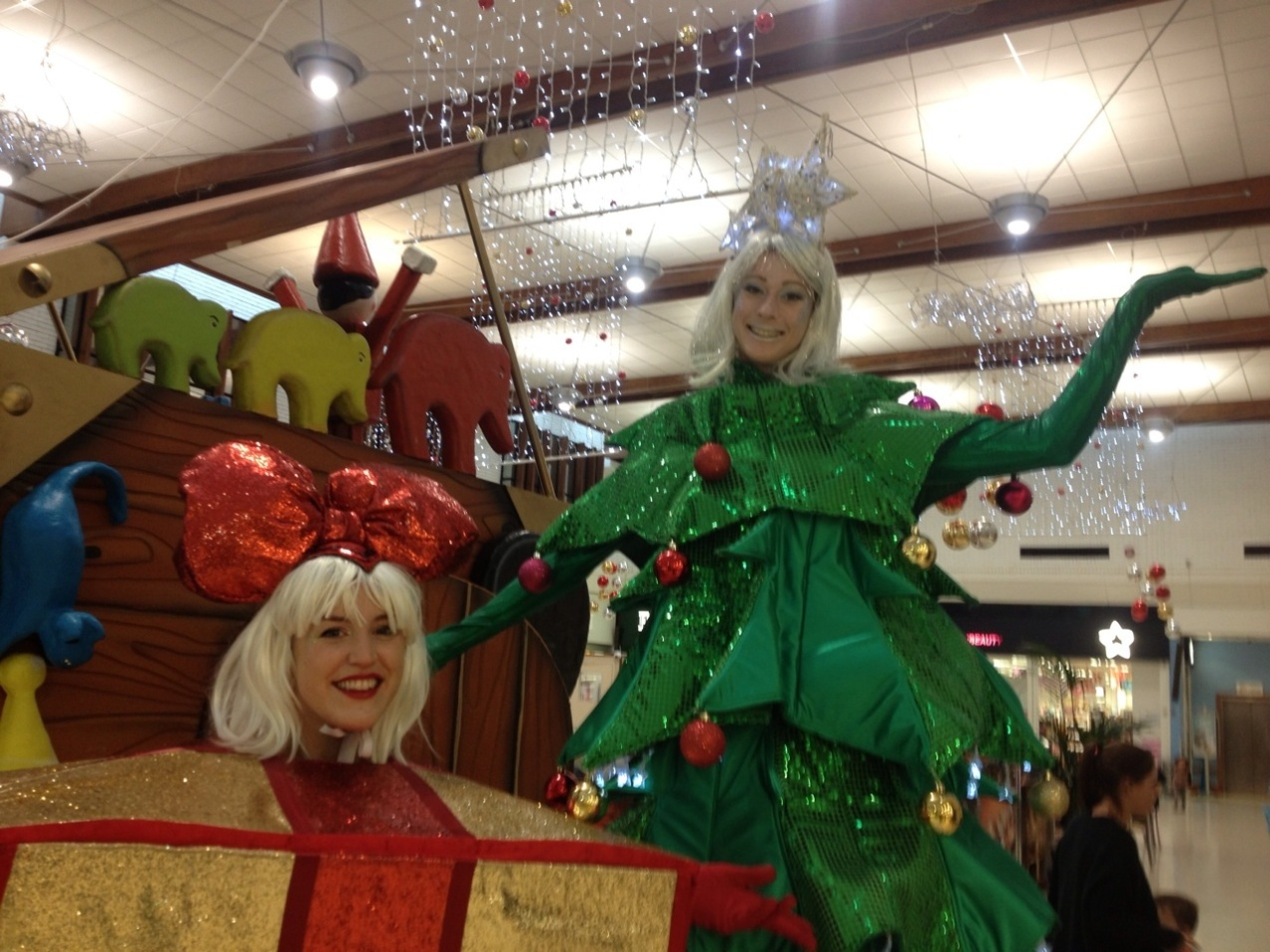 Merry Christmas from Juliet Costumes and jentherooevents.com